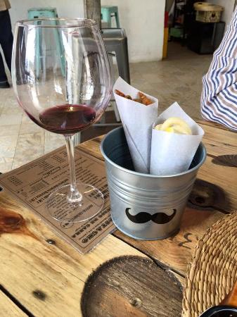 Mostacho Cafe Bar