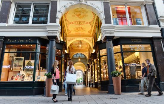 Hamburg, Tyskland: Mellin-Passage Shopping