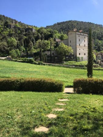 Cortaccione, Itália: L esterno con vista sul castello