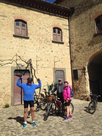 Montespertoli, Italy: Quality bikes from Toscana by bike