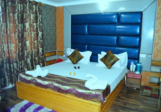 The Paristaan Resorts