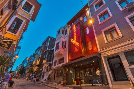 Villa pera suite hotel now 39 was 4 8 updated for Endless suites taksim