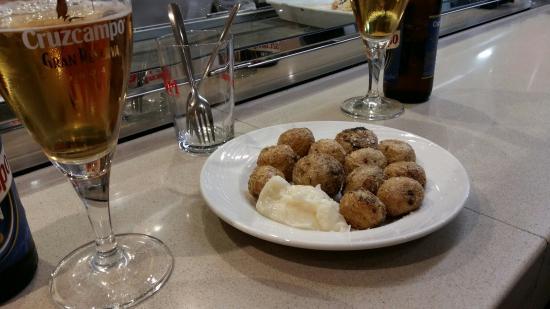 Restaurante Capri : Buenas tapitas y alimentos frescos