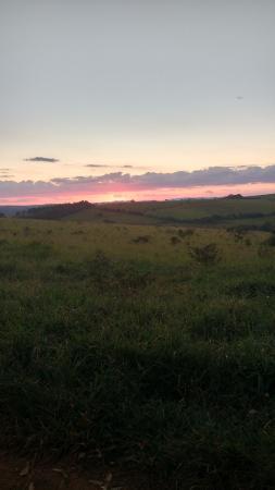 Entre Rios de Minas: Por do Sol no fim da subida