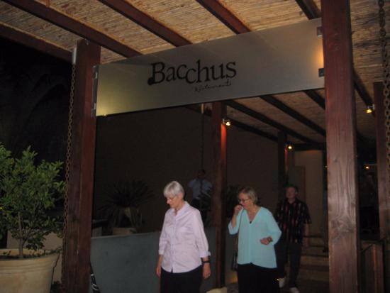 Bacchus: Entry to restaurant