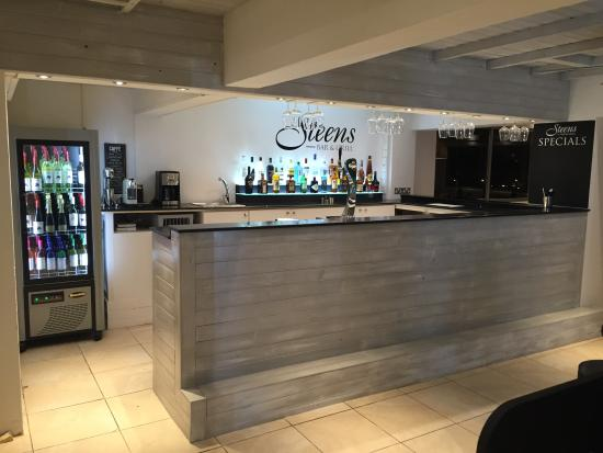 Steens Bar and Grill : Steens Bar & Grill