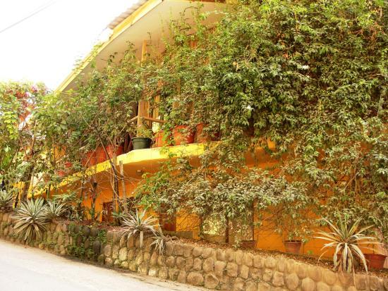 Hotel Aurora: Exterior del Hotel, Fachada