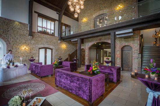 Cavan Crystal Hotel Lobby