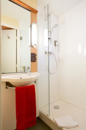 salle de bain 2 - picture of hotel ibis cannes centre, cannes ... - Tarif Salle De Bain Complete 2