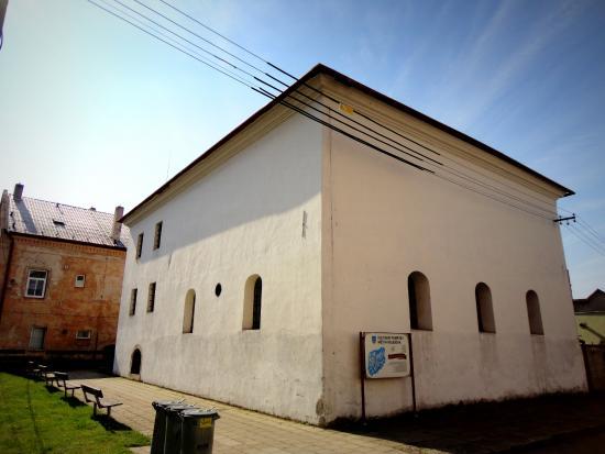Šachova Synagoga