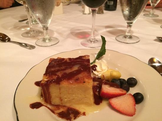 The Pelican Club: Yummy Bread Pudding. Just eat it!!!!!!