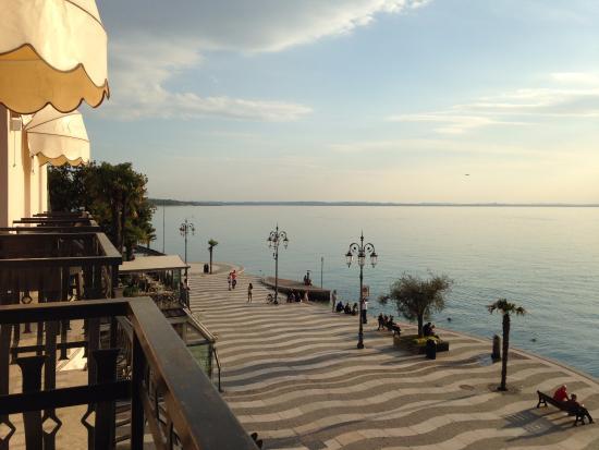 Hotel Miralago: Aussicht direkt auf den See