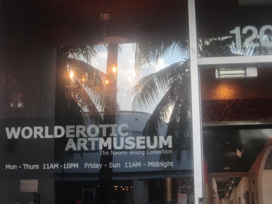 World Erotic Art Museum (WEAM) : Fachada