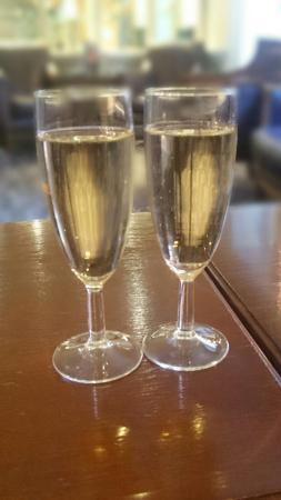 Fawkham, UK: Birthday bubbly