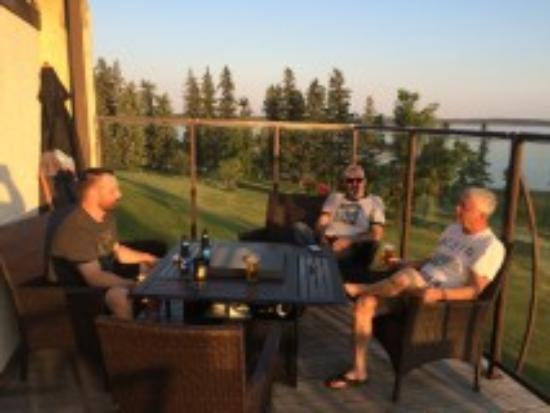 Carlyle, Canada: a drink with friends