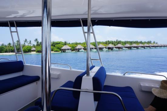 Dusit Thani Maldives: Speed Boat to Dusit Thani
