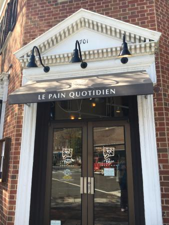 ‪‪Le Pain Quotidien‬: Cute bakery in Old Town‬