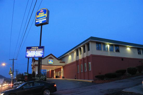 BEST WESTERN Mountaineer Inn: Outside Front