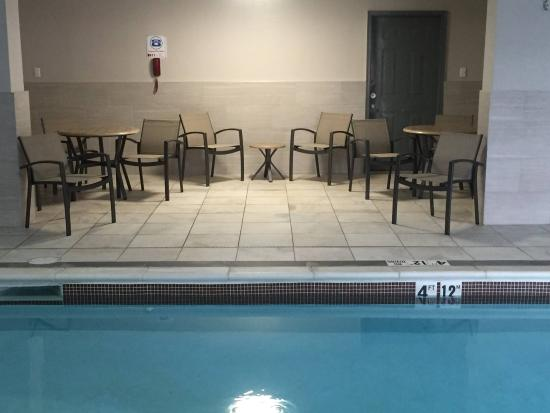 BEST WESTERN Mountaineer Inn: Pool Area 2016