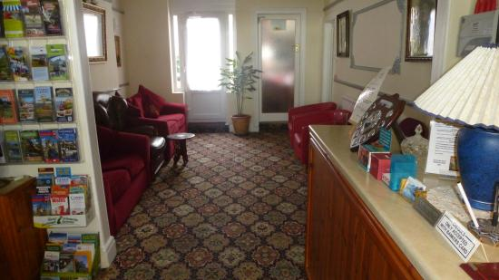 Whitehall Guest House: lounge