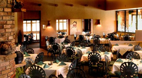 Via Real Gourmet Mexican: Main Dining