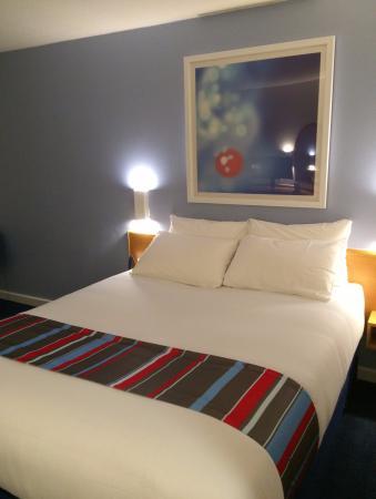 Talke, UK: Hotel bed