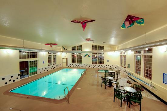 Time to jump into our saline pool - Picture of La Quinta Inn