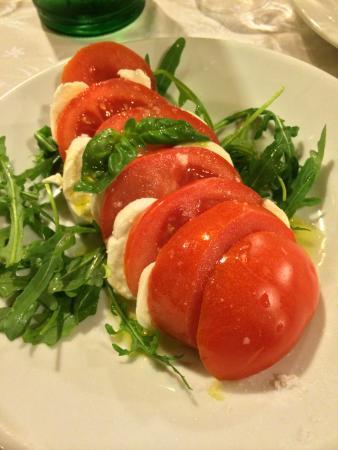 Trattoria Palazzaccio : Antipasto - Tomatoes, Mozzarella and Arugula