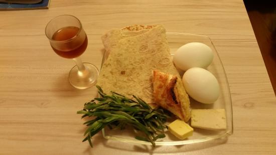 Armenia Hostel : Free breakfast