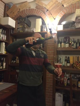 Wine Wine : photo0.jpg