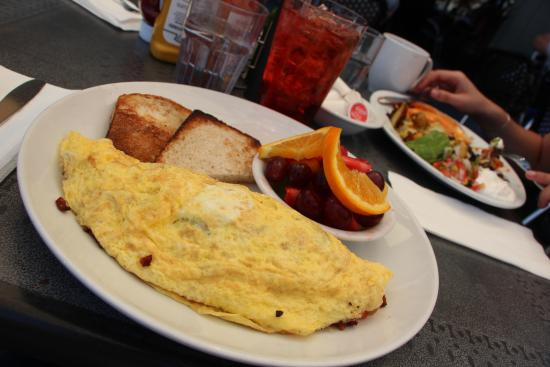 Belmont, Kalifornien: That's a tasty-looking brunch!