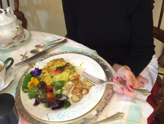 Gingerbread Cottage Bed and Breakfast: Salmon omelette with salad and potatoes with fresh herbs from her garden
