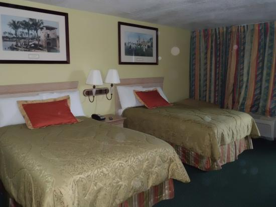 Elegant Double Room With Two Double Beds Smoking Picture Of Americas