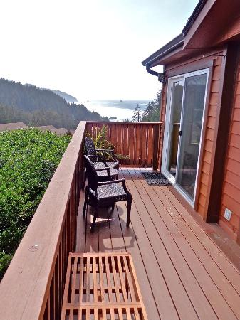 ‪‪Whaleshead Beach Resort‬: Cabin OV9A front deck‬