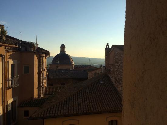 Hotel Restaurant Pallotta Assisi: Vista desde la habitación