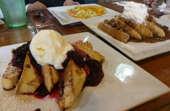 Dundee, Φλόριντα: Marion berry French toast, caramel/maple/pecan/sausage French toast, and a tasty egg breakfast.