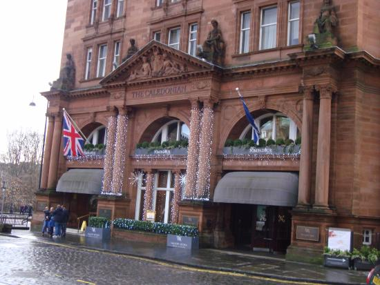 Hotel At Christmas Bild Von Waldorf Astoria Edinburgh The