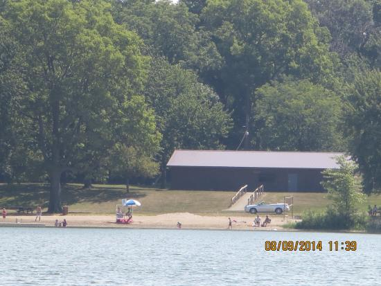 Kendallville, IN: Pavillion on the East side and people swimming