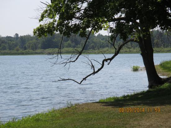 Kendallville, IN: The Southeast side of the lake