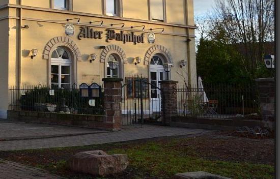 Alter Bahnhof Restaurant & Biergarten
