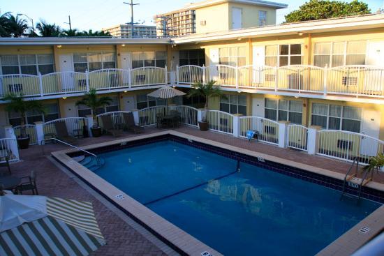 Beach Place Hotel Photo