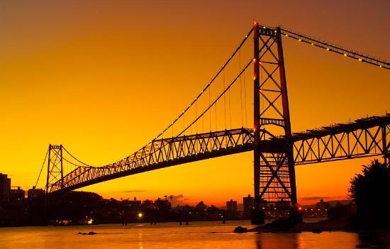 Hercílio Luz, SC: Excelente lugar para passeio de escuna/barco a dois ou com amigos e familiares.