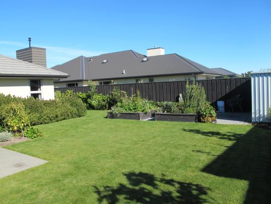 West Melton, Nueva Zelanda: Garden view