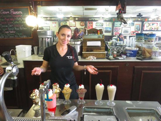 Soda Fountain of Venice : Old fashioned soda fountain and decor adds to the charm!