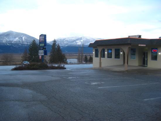 Creston, Canada: Office & restaurant.