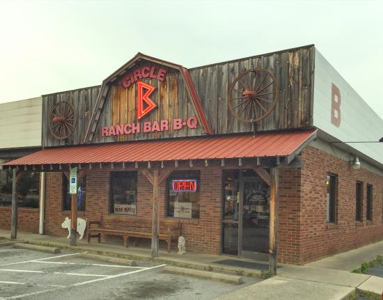 Circle B Ranch BBQ: Fletcher NC - Circle B's exterior