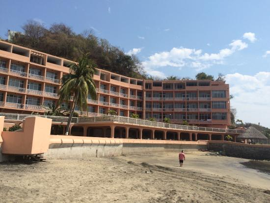 Playa Olas Altas: Some nice looking hotels but also incomplete ones and a lot of rubbish on the beach