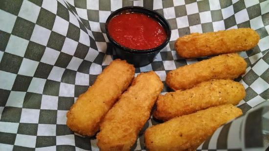 Jefferson, Carolina del Norte: Fried mozzarella.
