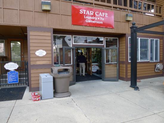 Cherry Hill Park Campground: Star Cafe area