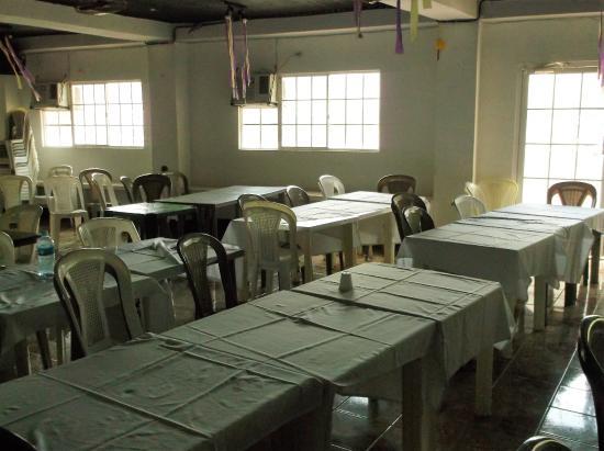 Hotel Posada del Bailante : Huge dining room